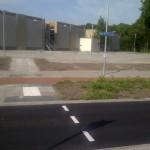 toe-rit sportruimte voor de fiets vanaf v Swietenlaan, op achtergrond de ingang van de sportruimte